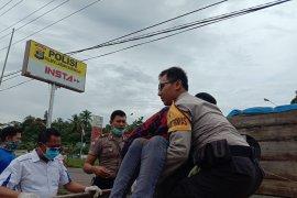 Polisi larikan warga ke puskesmas akibat laka lantas Page 2 Small