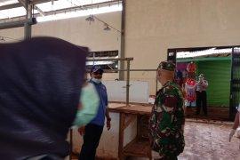 DPRD Lampung bersama Pokdarkamtibmas Labuhan Maringgai Cegah Corona Page 3 Small