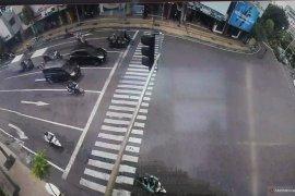 "Surabaya berlakukan kawasan tertib ""physical distancing"""