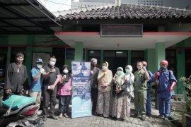 Bank BJB disinfeksi fasilitas publik di Bandung