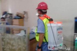 PT Timah bersama Satgas COVID-19 Babel lakukan penyemprotan disinfektan ke fasilitas umum