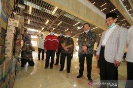 Masjid Istiqlal terima bantuan pencegahan wabah COVID-19 dari sejumlah yayasan