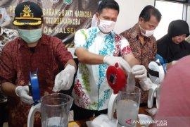 Polda Kalsel blender 743,59 gram sabu