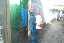 Pemkot Mataram disinfektan rumah status  PDP meninggal diduga COVID-19