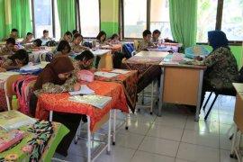 DPRD Surabaya dorong adanya kebijakan guru mengajar sepenuhnya dari rumah
