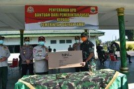 Danrem 042/Gapu serahkan APD bantuan pemerintah pusat ke Pemprov Jambi