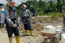 Pemkab Simalungun bagikan air bersih kepada warga Nagori Bangun Pane