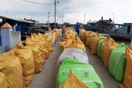 Bea Cukai Sumut amankan pakaian bekas impor untuk antisipasi virus corona
