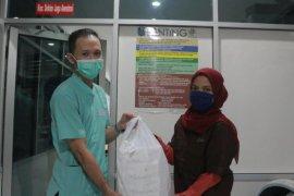 Bober Cafe bantu konsumsi dokter RSUD  dr Soetomo Surabaya