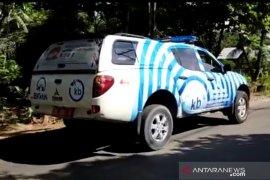 Mobil penerangan Dinas PPKBPPPA HSS keliling sosialisasi pencegahan Corona