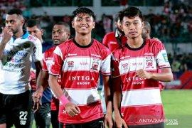 Madura United tetap bayar gaji pemain, tapi tidak penuh