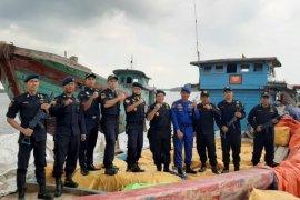 Bea Cukai: Pakaian  bekas impor ilegal berpotensi menyebarkan corona