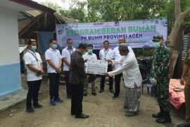 FK BUMN Aceh serah terimakan bantuan bedah rumah purnawirawan TNI