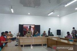 22 orang kontak fisik pasien positif COVID-19 di Belitung jalani Rapid Test