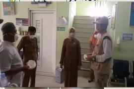 FPI Langkat bagi masker dan semprot disinfektan ponpes