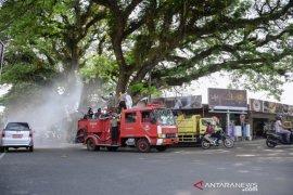Cegah penyebaran COVID-19, Kota Sabang disemprot desinfektan