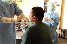 Pasien sembuh dari COVID-19 di Tulungagung jalani swab tenggorokan kedua