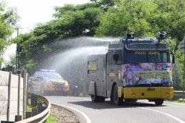 Penyemprotan disinfektan serentak, Polda Banten kerahkan 65 kendaraan