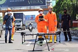 Jalan protokol Kota Bekasi disemprot disinfektan gunakan drone
