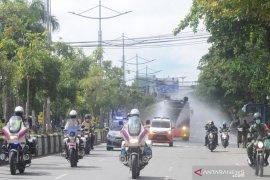 Wilayah Kota Banjarmasin disemprot disinfektan cegah penyebaran COVID-19