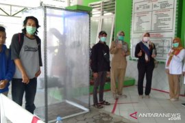 Pecinta lingkungan GMSS-SKM buat disinfektan alami tangkal virus