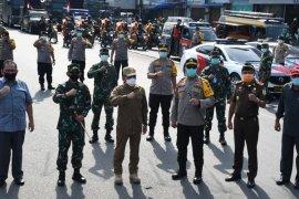 Gubernur Sumut minta warga tetap berada di rumah