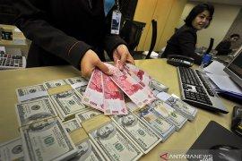 "Dolar Amerika bersinar, pertengkaran baru AS-China memicu aliran ""safe-haven"""