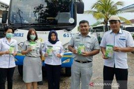 Jasa Raharja Babel bagikan masker dan hand sanitizer gratis ke masyarakat