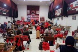 Kantor PDIP Jatim di Surabaya jadi tempat produksi masker dan wastafel