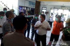Bupati Jembrana larang warga dari zona merah COVID-19 masuk Bali