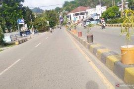 Jalan Raya Abepura Kota Jayapura Lengang Page 1 Small