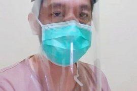 """Dosen UPJ Tngsel buat """"face shield"""" dibagikan gratis ke tenaga medis"""