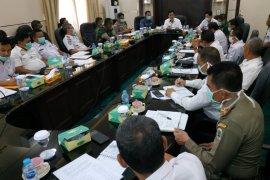 TNI - Polri di Kapuas Hulu siap kawal pendistribusian bansos terkait COVID - 19