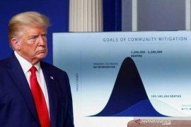 Donald Trump berharap kompetisi olahraga di AS kembali bergulir pada Agustus