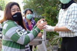 Masyarakat Tionghoa Aceh bagikan pelindung wajah untuk tenaga medis
