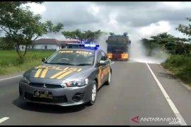 Polres Batola semprotkan disinfektan wilayah perbatasan provinsi