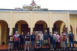 PPNI Ternate semprotkan disinfektan di belasan masjid dan gereja