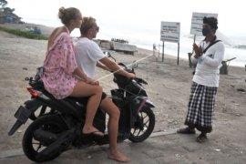 Penutupan Objek Wisata Bali Diperpanjang Page 1 Small