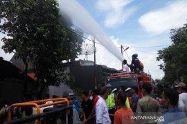 Rumah milik karyawan SPBU Pante Pirak Abdya terbakar