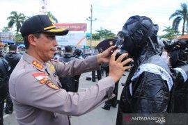Polresta Banjarmasin bekali Bhabinkamtibmas dengan baju APD