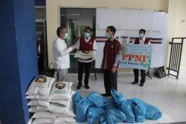 DPRK Banda Aceh serahkan sembako bagi tenaga medis tangani COVID-19