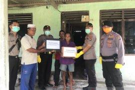 Polres Bangka salurkan bantuan sosial 65 paket sembako gratis