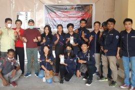 GMKI Cabang Gorontalo Peduli COVID-19, bagikan hand sanitizer ke pengemudi bentor