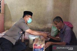 Polres Bangka Barat salurkan bantuan sembako kepada warga tunanetra