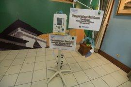 Pemprov Jabar terima bantuan ventilator dan spanduk dari BUMN