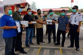 PT Timah salurkan bantuan masker ke posko Pelabuhan Tanjungkalian Mentok