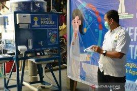 HIPMI Padangsidimpuan serahkan cuci tangan portabel untuk Pasar Sangkumpal Bonang