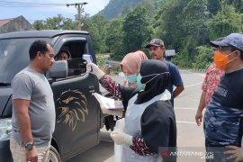 Masuk Aceh Jaya diperiksa kesehatan, suhu di atas normal akan diisolasi