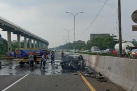 Jasa Marga: Mobil dikendarai Wakil Jaksa Agung Arminsyah alami kecelakaan tunggal