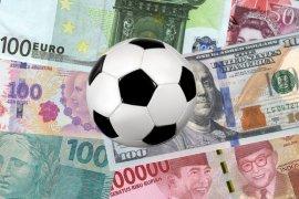 FIFPro ingatkan banyak pesepak bola yang tak patut  gajinya dipotong